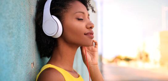 音楽配信サービス・アプリ5選|曲数や料金、無料で聞ける期間など詳しく紹介